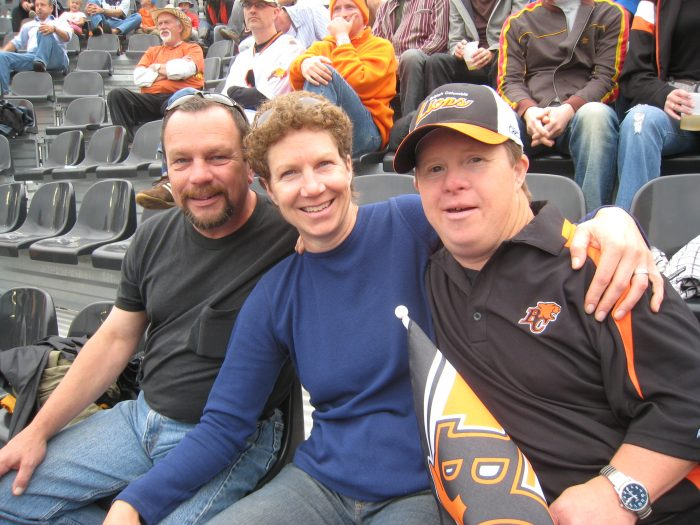 2010 Siblings at the big game